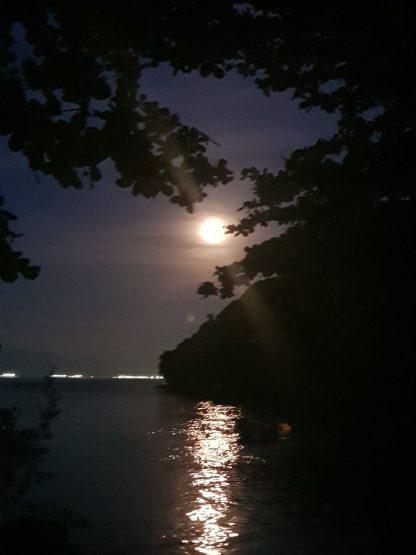 lua cheia deslumbrante